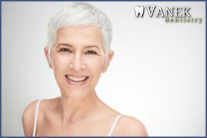 elderly woman with healthy smile